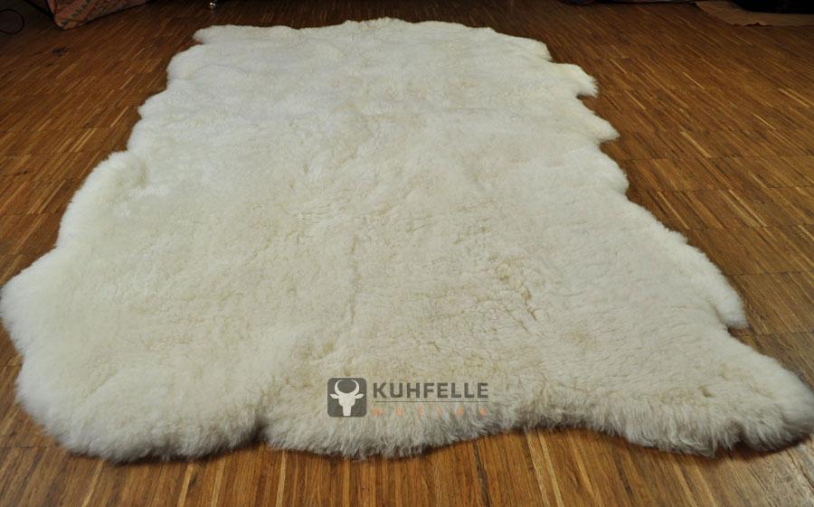 Weißer teppich  Island Lammfell Teppich naturweiß 130 x 190 cm kurzhaarig online ...