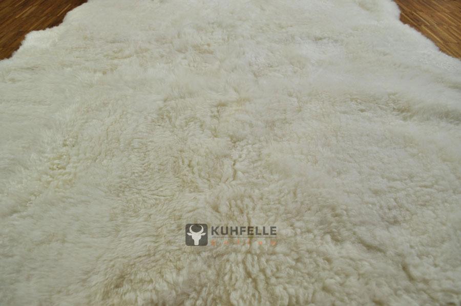 Island Lammfell Teppich naturweiß 130 x 190 cm kurzhaarig
