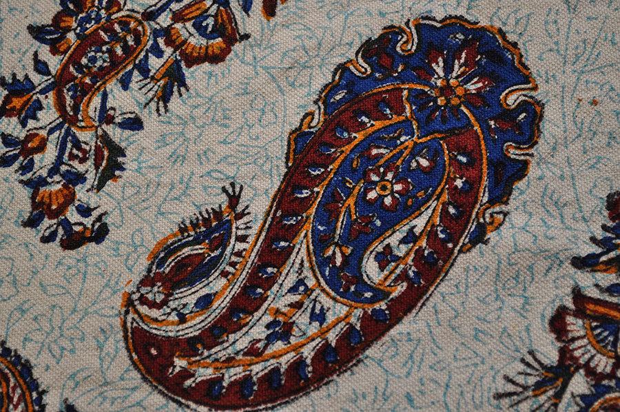 Orient tagesdecke tischdecke paisley handbedrukt 100 x 150 for Tagesdecke paisley