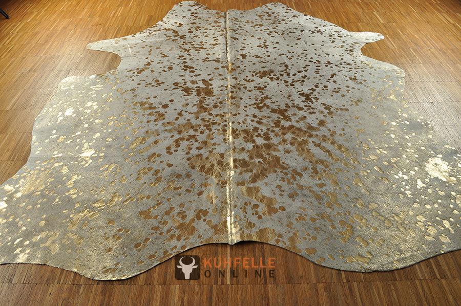 kuhfell weiss hellgrau gold 195 x 180 cm online kaufen. Black Bedroom Furniture Sets. Home Design Ideas