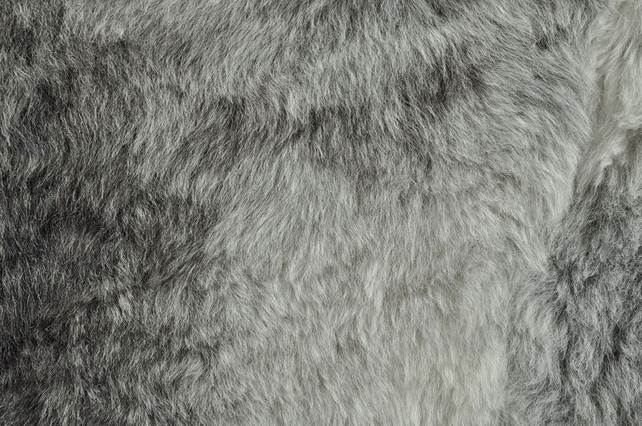 ko lammfell teppich grau natur 175 x 120 cm kurzwollig. Black Bedroom Furniture Sets. Home Design Ideas