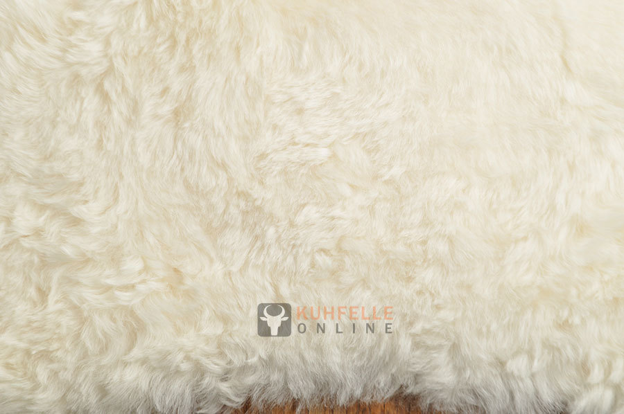 island lammfell teppich naturwei 190 x 180 cm kurzwollig. Black Bedroom Furniture Sets. Home Design Ideas
