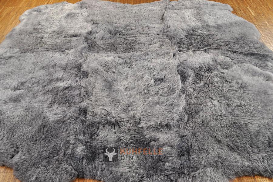 lammfell teppich grau 170 x 170 cm kurzwollig bei kuhfell bestellen. Black Bedroom Furniture Sets. Home Design Ideas