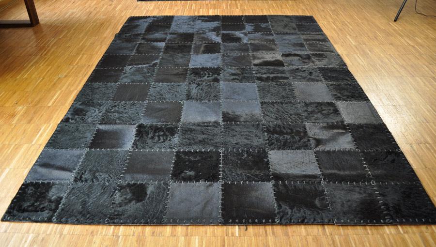 kuhfell teppich schwarz 220 x 160 cm handvern ht. Black Bedroom Furniture Sets. Home Design Ideas