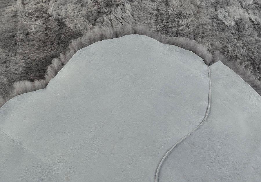 lammfell teppich grau 115 x 170 cm kurzwollig bei kuhfell. Black Bedroom Furniture Sets. Home Design Ideas