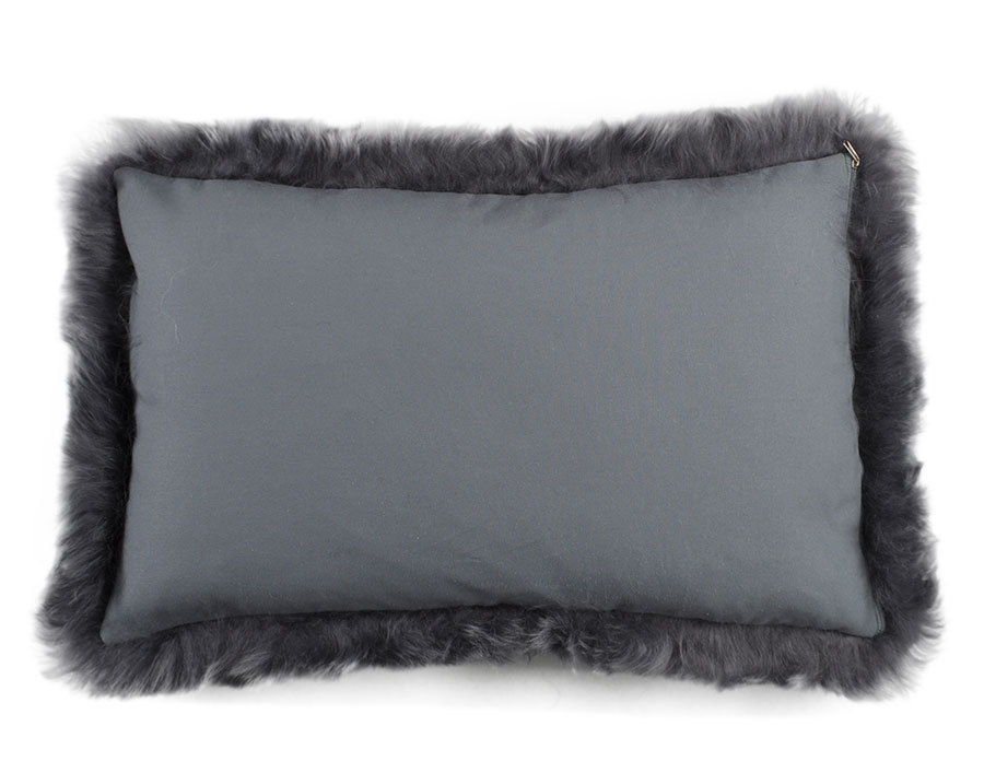 lambskin cushion grey long haired 35 x 55 cm kuhfelle online. Black Bedroom Furniture Sets. Home Design Ideas