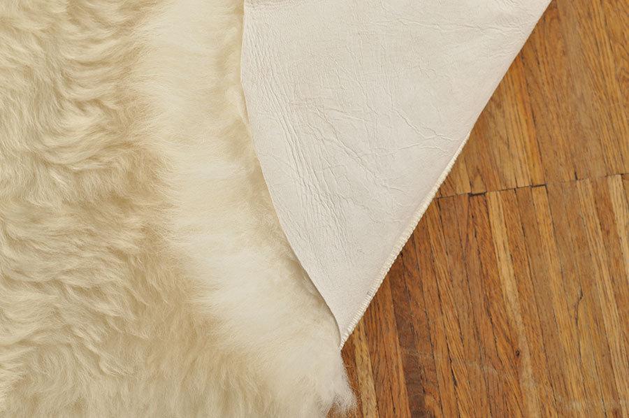 ko schwedisch lammfell teppich weiss 220 x 190 cm kuhfelle online. Black Bedroom Furniture Sets. Home Design Ideas